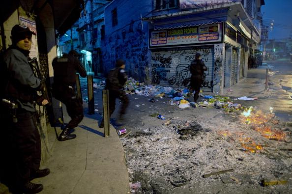 Brazilian policemen_deploy_to_pacify_Jacarezinho_shantytown_known_as_Crackland_in_Rio_de_Janeiro