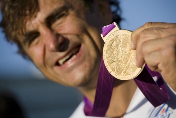 Alex Zanardi with Lonodn 2012 gold medal September 5