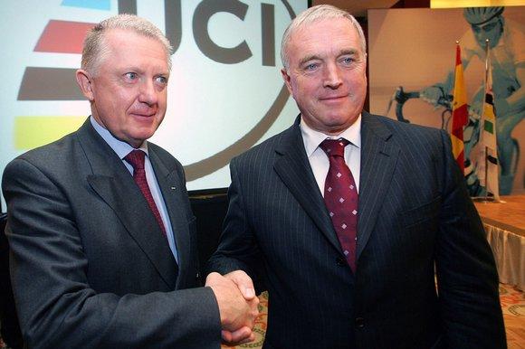 Pat McQuaid with Hein Verbruggen shaking hands