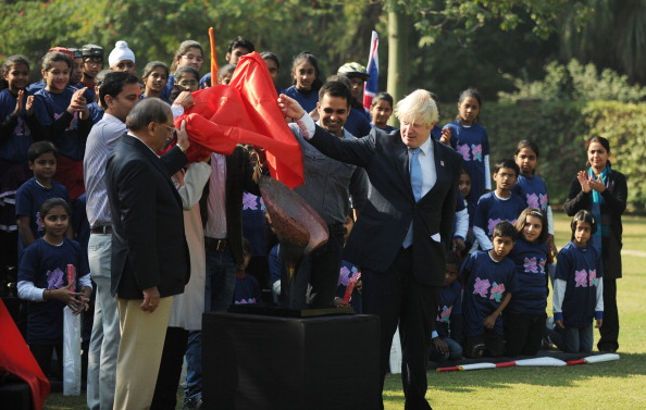 Boris Johnson hands over London 2012 petal Delhi November 26 2012