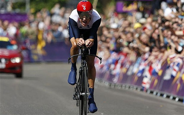 Bradley Wiggins wins London 2012 time trial