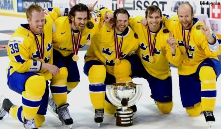 Sweden celebrate winning 2006 World Championships Riga