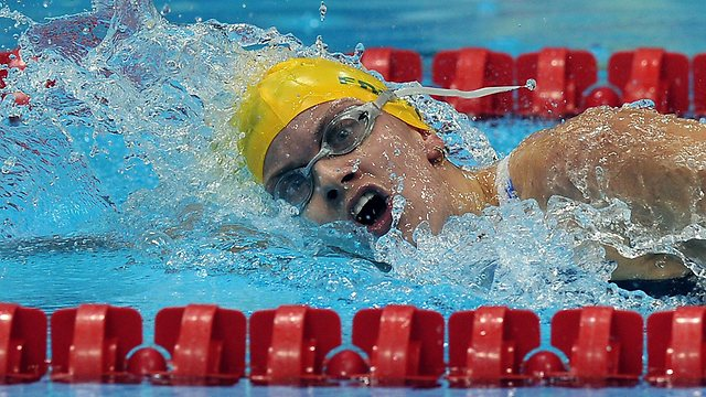 Jacqueline Freney swimming at London 2012
