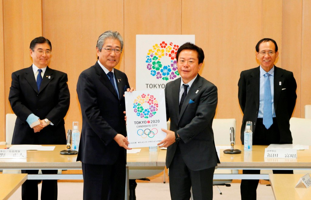 Tokyo 2020 President Takeda welcomes new Tokyo Metropolitan Governor Naoki Inose to the Bid team