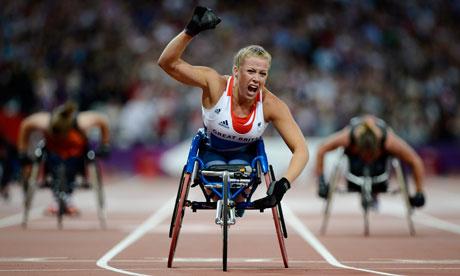 Hannah Cockroft winning T34 200m final