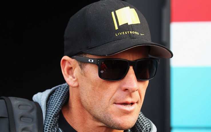 Lance Armstrong with Livestrong cap