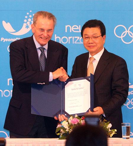 Jacques Rogge signs marketing deal with Kim Jin-sun Seoul January 30 2013
