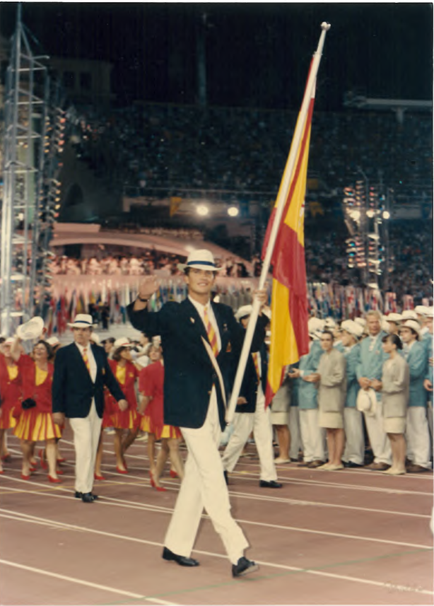 Prince Felipe carrying flag at Barcelona 1992