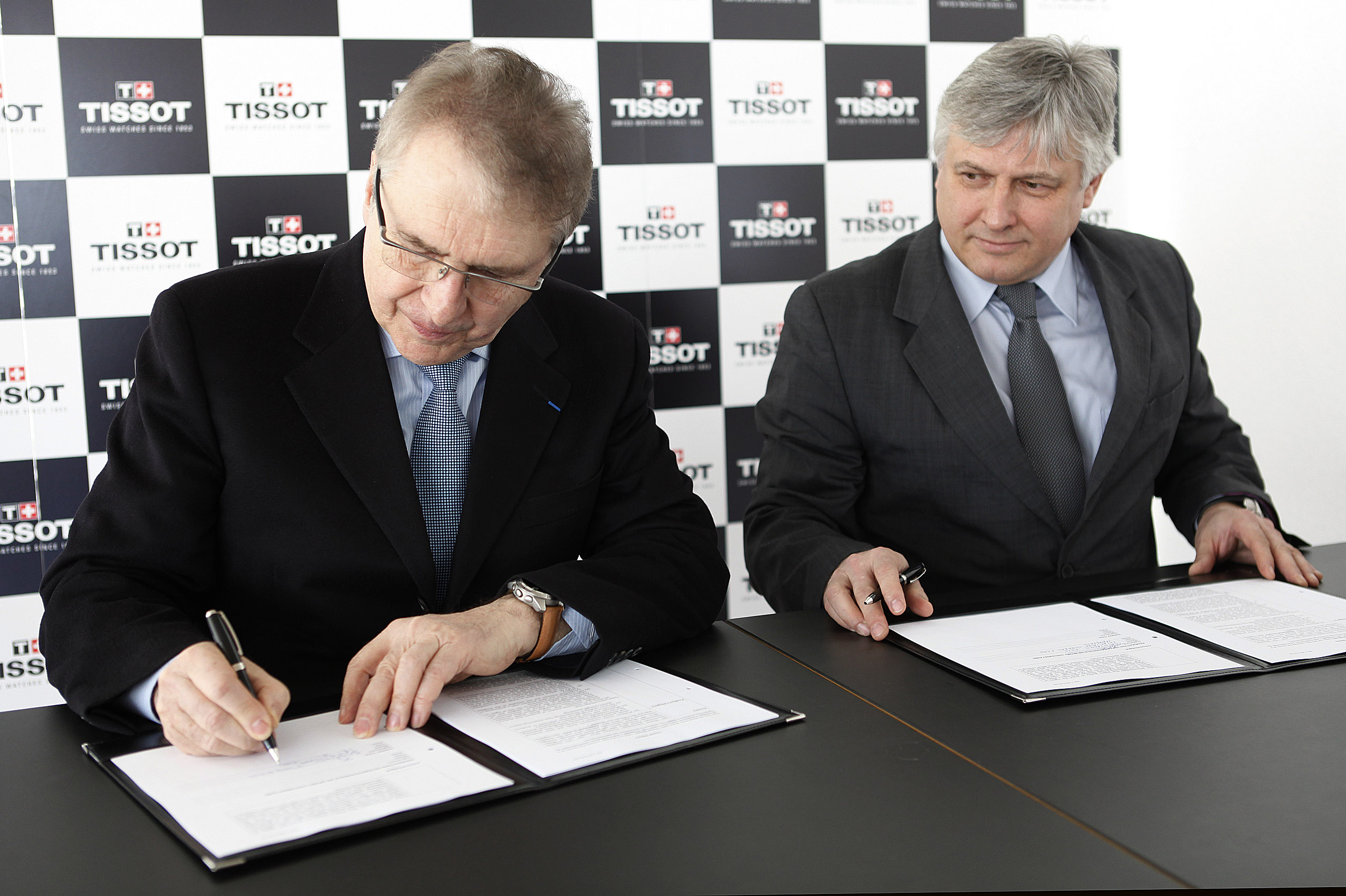 François Thiébaud  Eric Saintrond signing