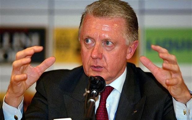 Hein Verbruggen at press conference