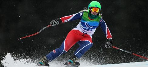 Kelly Gallagher skiing