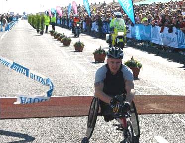 David Weir wins Great North Run