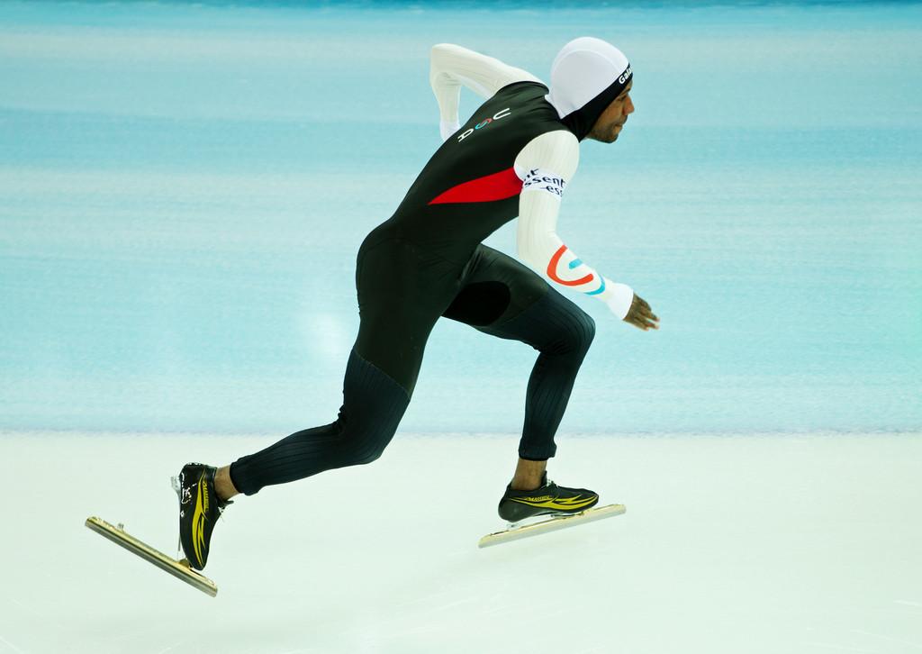 Shani Davis skating in Sochi