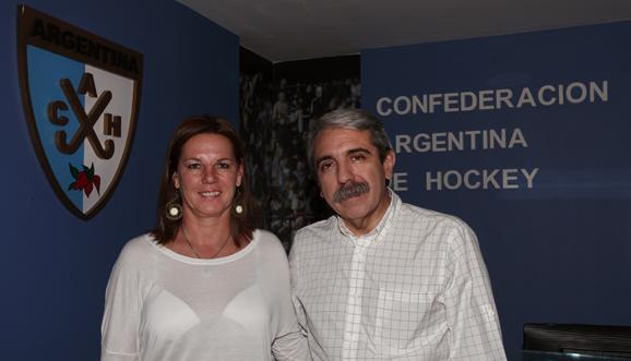 Sandra Isola with new Argentina Hockey President Anibal Fernandez