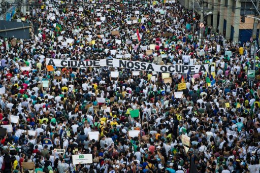 Brazilians marching against the cost of the 2014 FIFA World Cup