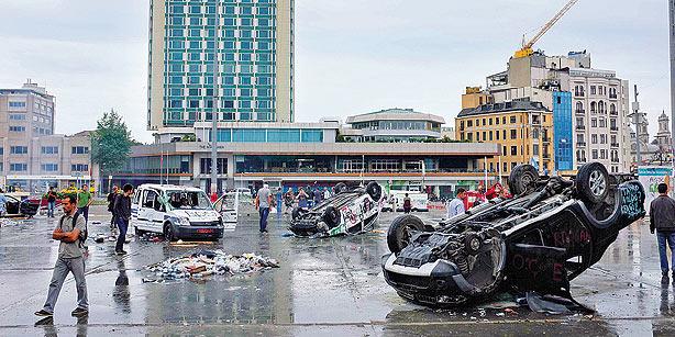 Istanbul riot 2 May 2013