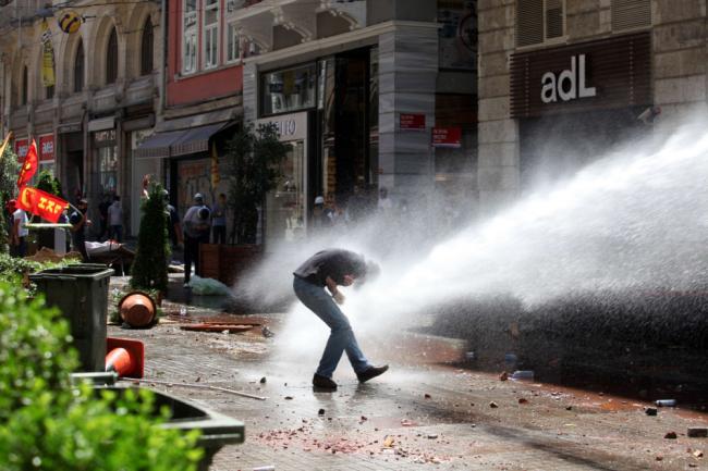 Istanbul riot 3 May 2013