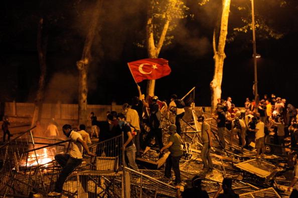 Istanbul riot 5 May 2013