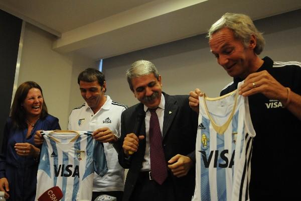 L-R Sandra Isola Vice President CAH Carlos Retegui Coach Argentina men Anibal Fernandez President CAH and Emanuel Roggero Coach Argentina women