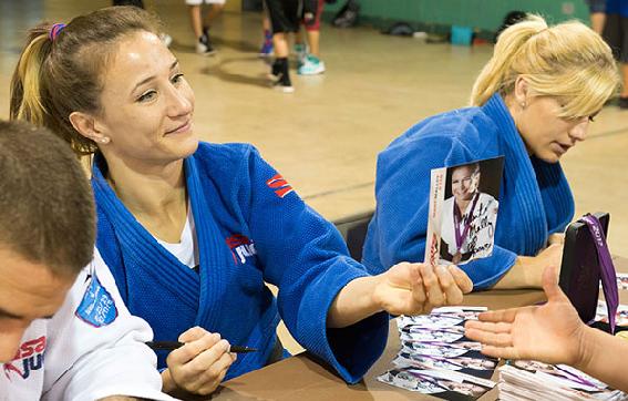 Marti Malloy judo miami signing session