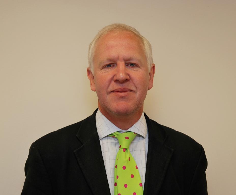 David Owen head and shoulders