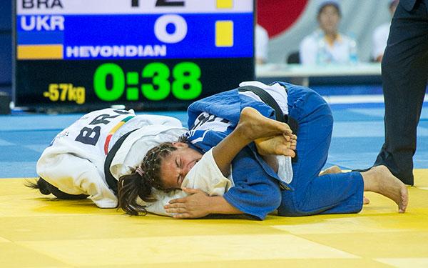 Ketleyn Quadros winning Kazan 2013