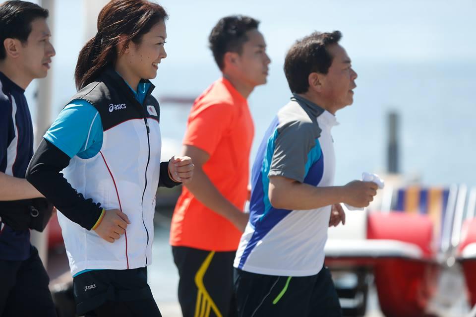 Naoki Inose jogging