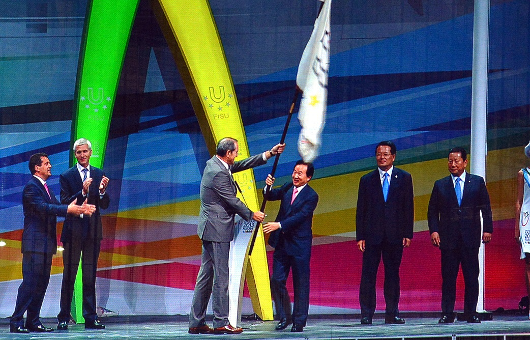 flag-handover01