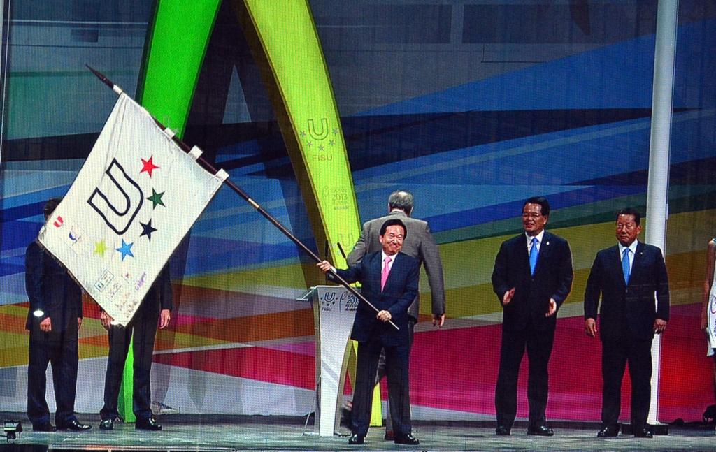 flag-handover022