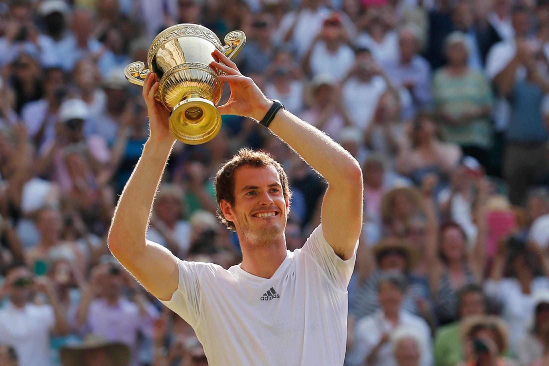 Andy Murray celebrates winning Wimbledon 2013
