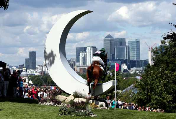 London 2012 crescent on equestrian course