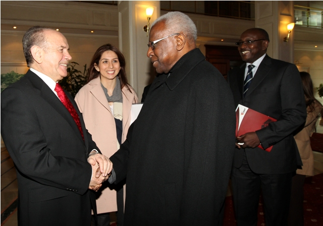 Lamine Diack with Mayor of Istanbul