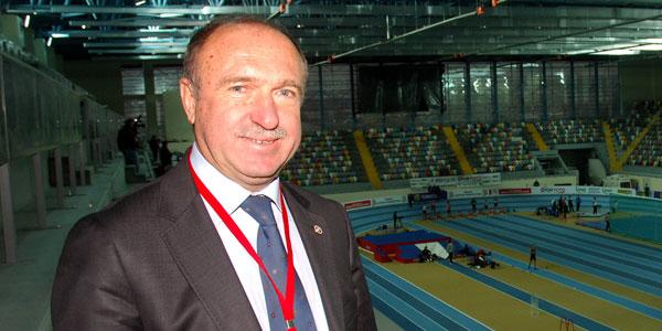 Mehmet Terzi head and shoulders