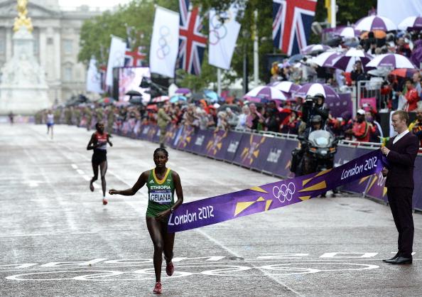 Tiki Gelana wins London 2012