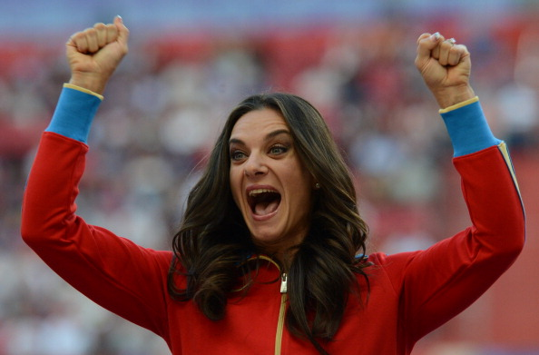 Yelena Isinbayeva, receiving her gold medal at the World Championships in Moscow, criticised Sweden's Emma Green-Tregaro for her protest against Russia's new controversial anti-gay laws