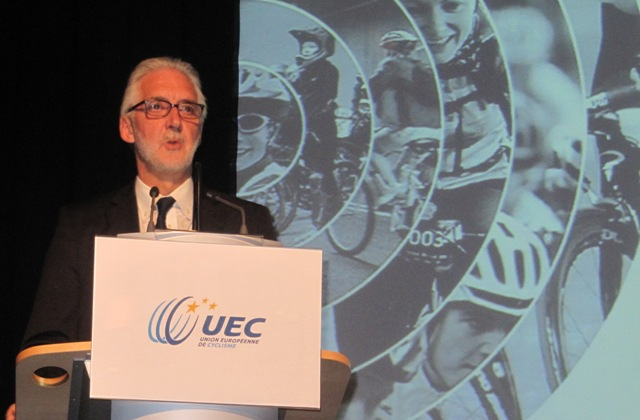 Brian Cookson earned the overwhelming support of the European Cycling Union in his quest to unseat Pat McQuaid as head of the International Cycling Union
