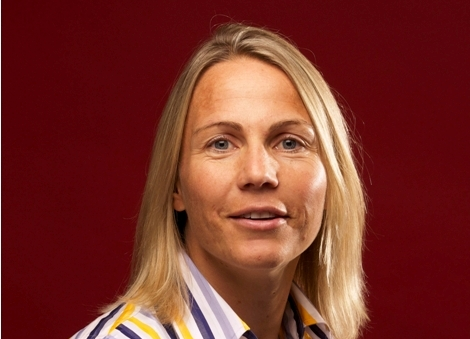 Former hockey international Sarah Powell has been named as the first female chief executive of Sport Wales