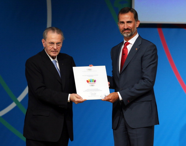 Spain's Crown Prince Felipe with IOC President Jacques Rogge after leading the Madrid 2020 presentation