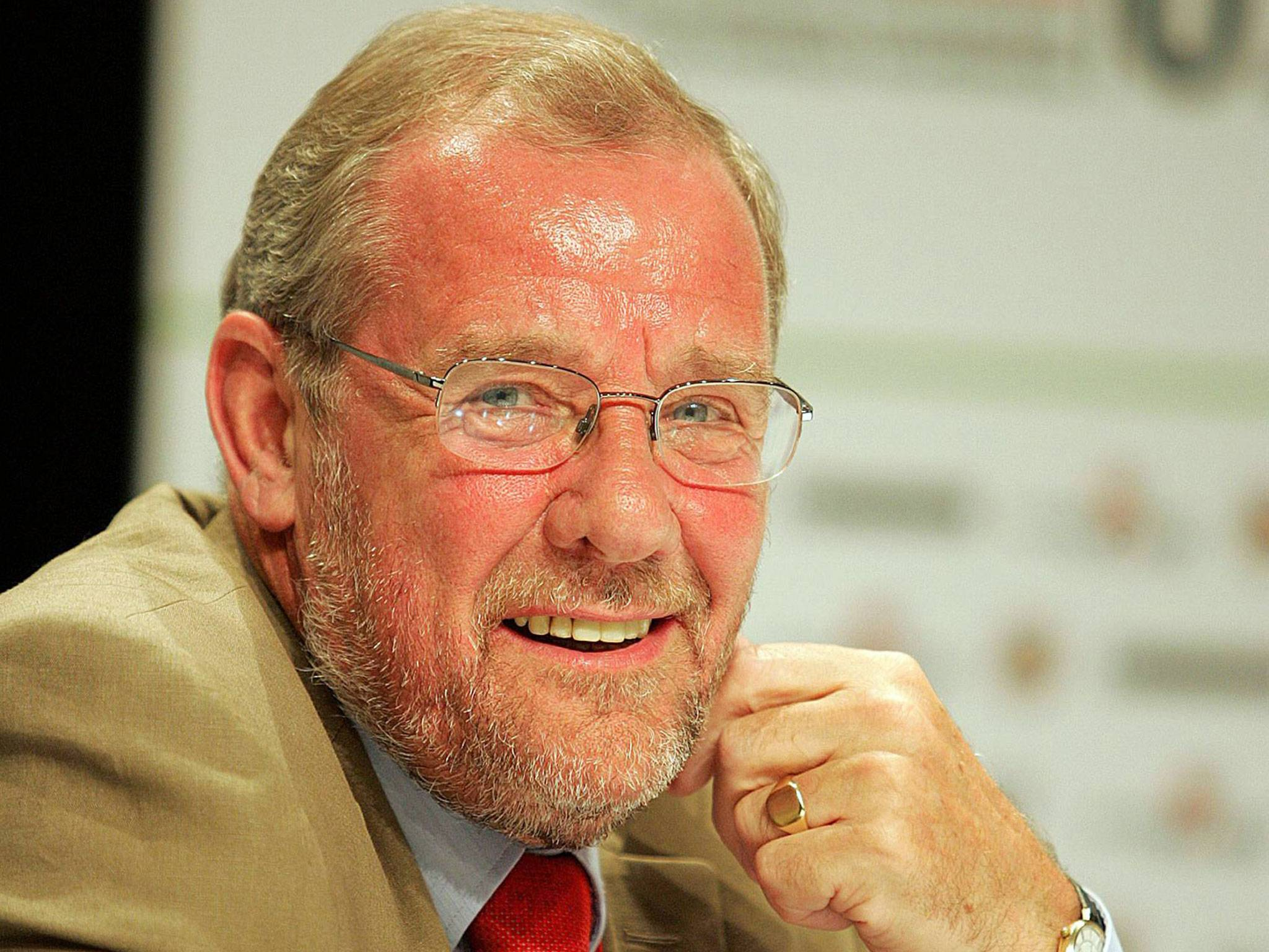 Richard Caborn has confirmed he will step down as chairman of the ABAE