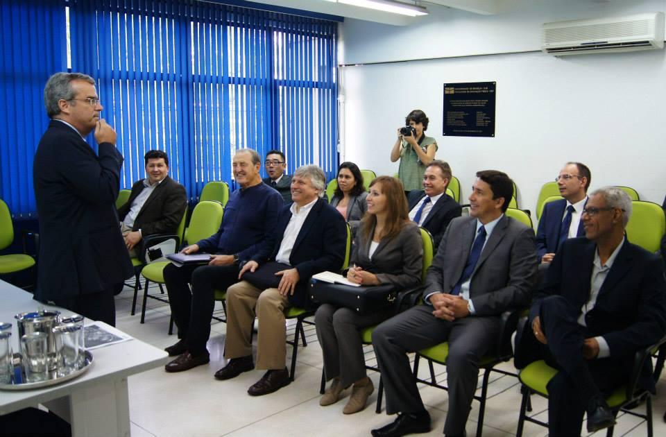 President of the University of Brazil Ivan Camargo meets with FISU delegates at the University