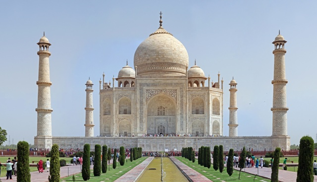 Taj Mahal will provide a stunning backdrop for the Queen's Baton Relay when it visits India next