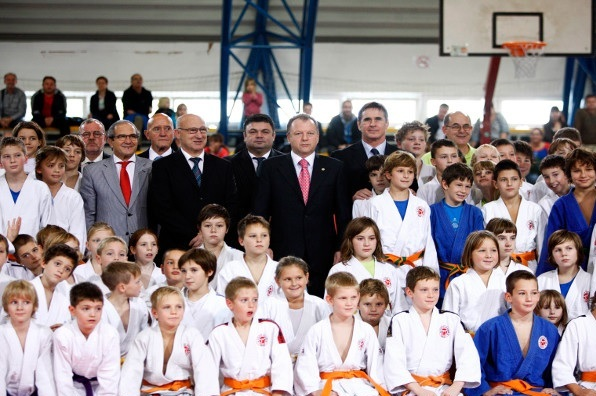 Judoka from around the world took part in the third edition of World Judo Day on Monday