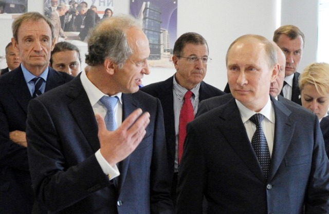 RIOU Rector Lev Belousov (left) with Russian President Vladimir Putin during the official opening in September © AFP / Getty Images