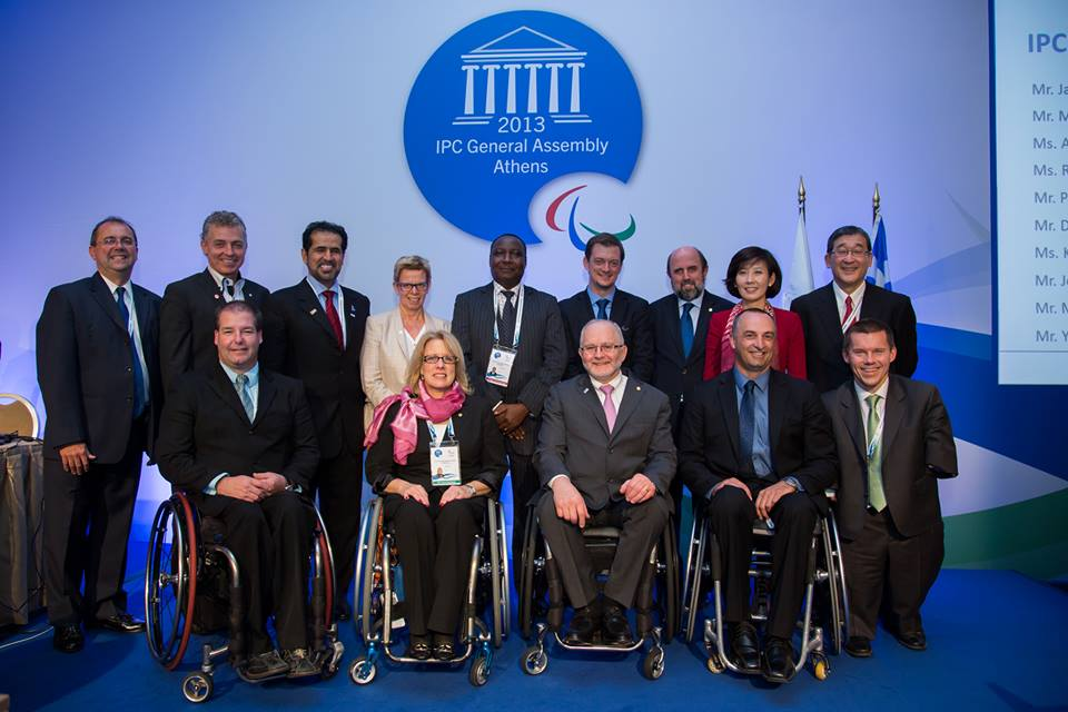Sir Philip and Parsons pose with the new Governing Board members following the IPC elections ©George Santamouris