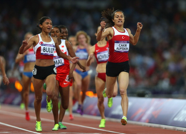 Turkey's Asli Çakır Alptekin crosses the line to win the Olympic gold medal in the 1500m at London 2012 ©Getty Images