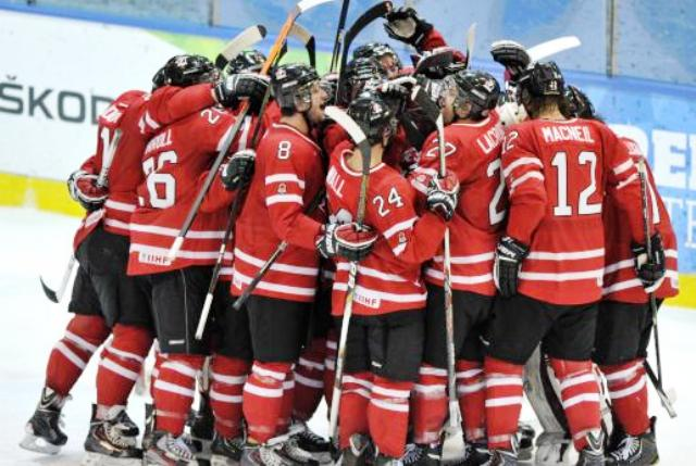 Canada completed the ice hockey double on the final day at Trentino 2013 as their men overcame Kazakhstan ©Max Pattis/Trentino 2013 Universiade