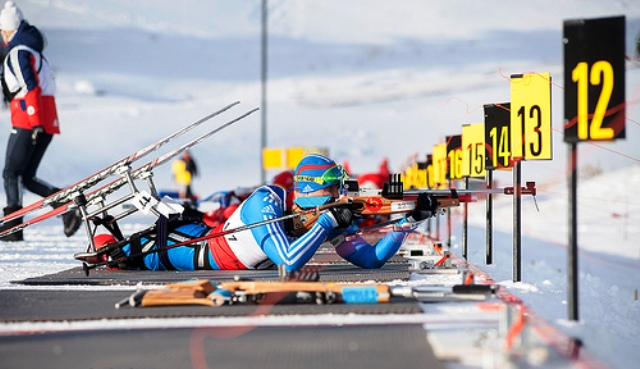 Roman Petushkov ended a successful week in Canmore with his third gold medal in the 15km sitting race ©Pam Doyle/IPC