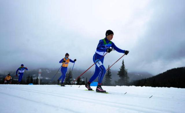 Vancouver 2010 gold medallist and nine-time world champion Mikhalina Lysova (right) had to settle for silver at the IPC Nordic Skiing World Cup in Canmore as teammate Iuliia Budaleeva claimed a surprise win ©Getty Images