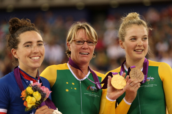 Susan Powell (centre) got the better of compatriot Alex Green (right) again in Melbourne after beating her to gold at the Paralympic Games in London in 2012 ©Getty Images