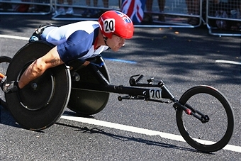 David Weir powered his way to a dramatic win in the Australia Day 10km race in Sydney ©Getty Images